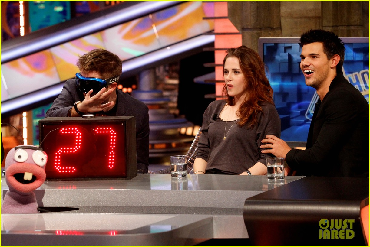 kristen stewart robert pattinson el hormiguero in spain 30