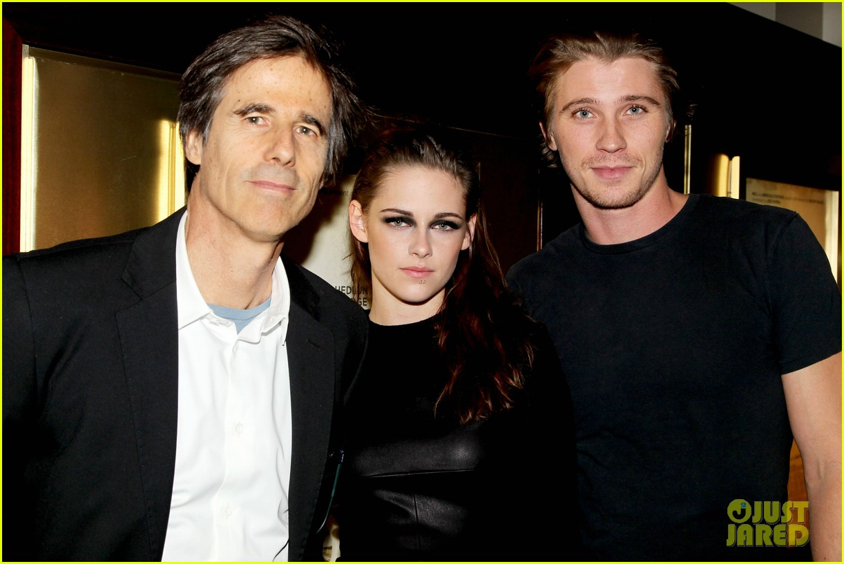 kristen stewart garrett hedlund on the road nyc screening 29
