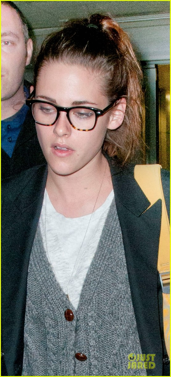 kristen stewart robert pattinson day after thanksgiving traveling 02