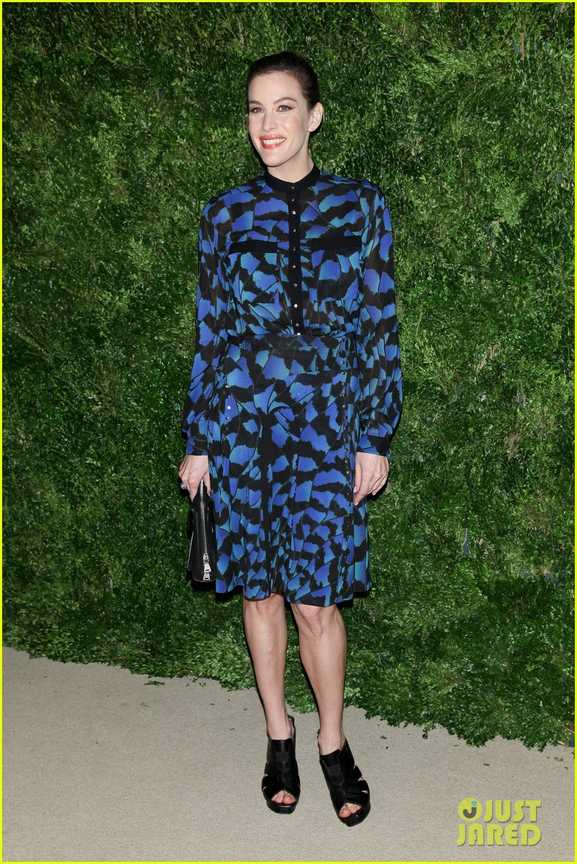 emma stone allison williams cfda vogue fashion fund awards 2012 20