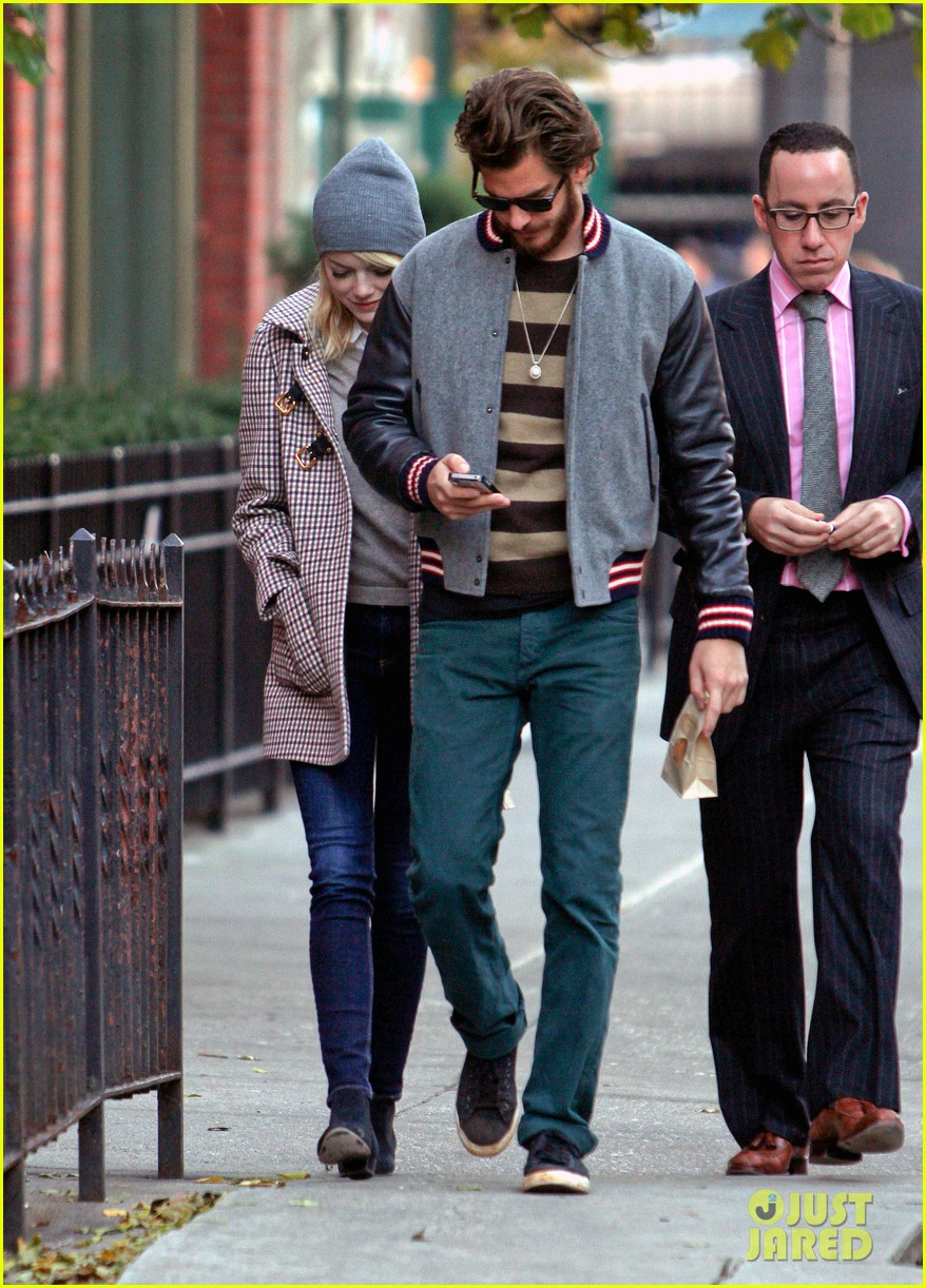 emma stone andrew garfield chelsea couple 082757719