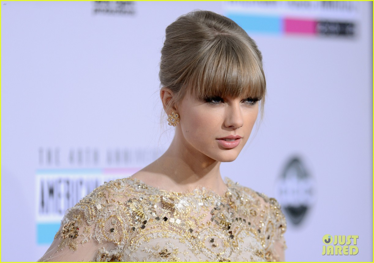 taylor swift amas 2012 red carpet 03