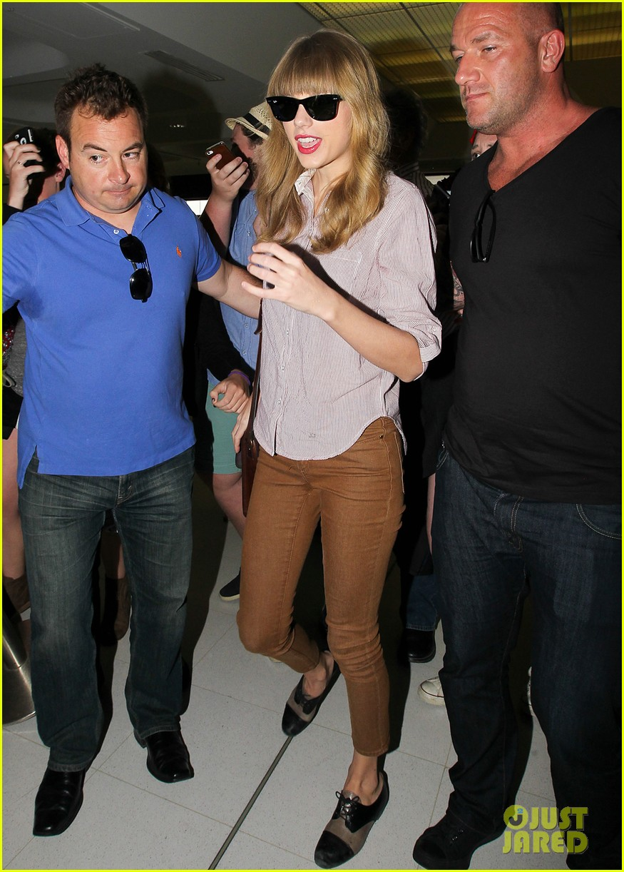 taylor swift begin again performance on ellen today 092766575