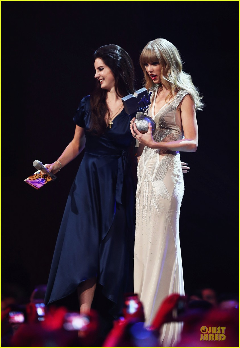 taylor swift mtv emas performance watch now 08