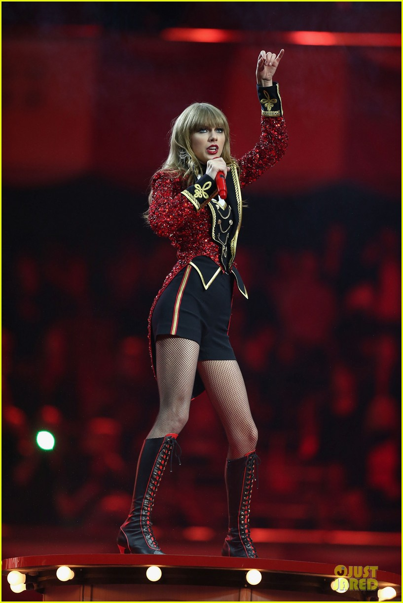 taylor swift mtv emas performance watch now 13
