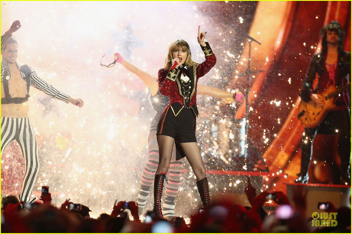 taylor swift mtv emas performance watch now 20