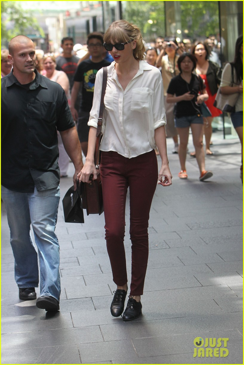 taylor swift shopping in sydney 032763580