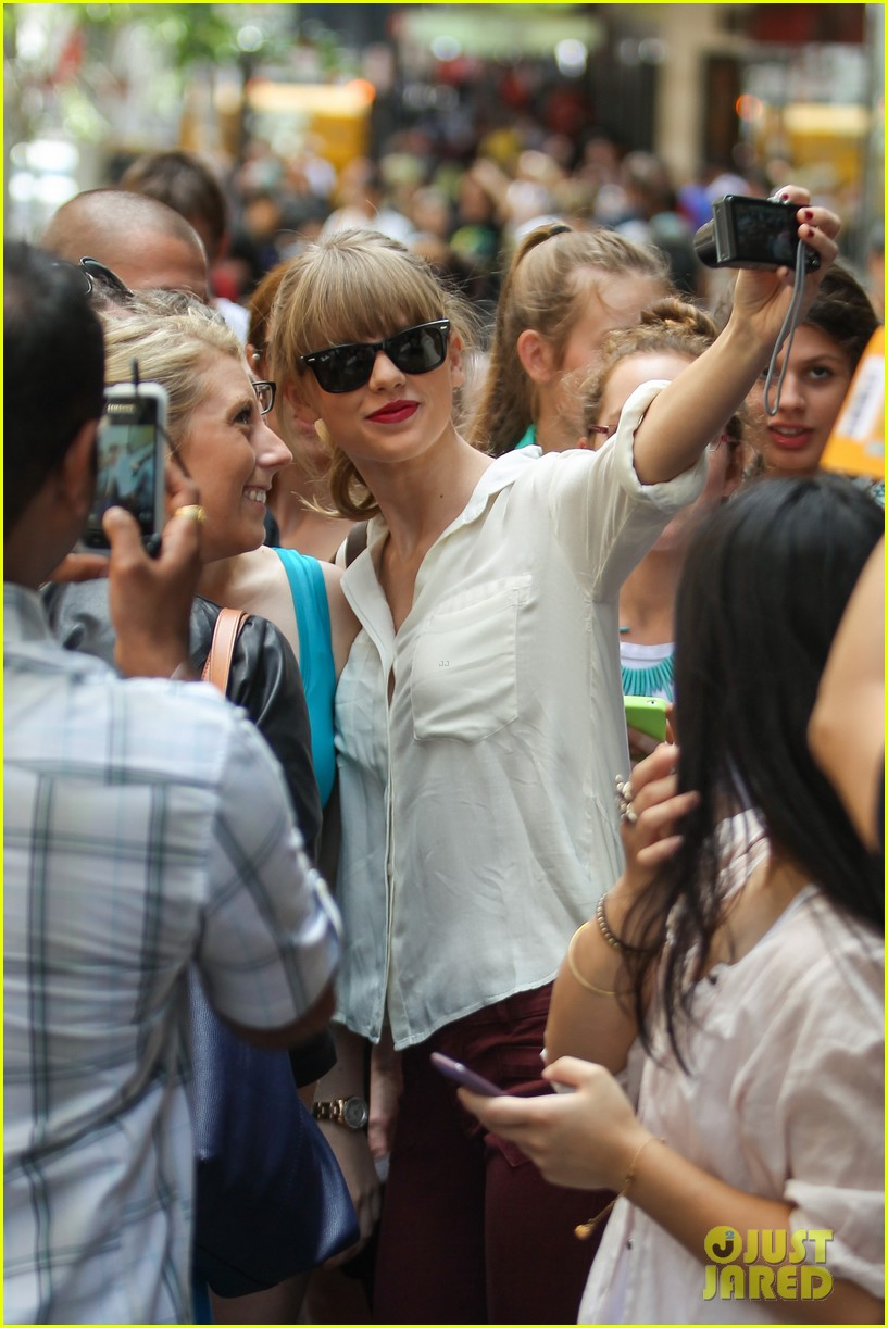 taylor swift shopping in sydney 04