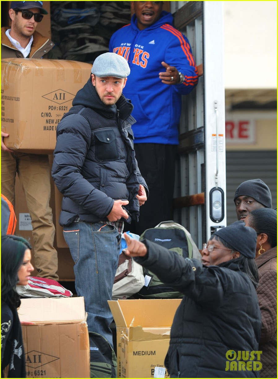 justin timberlake jessica biel hurricane sandy relief workers 14