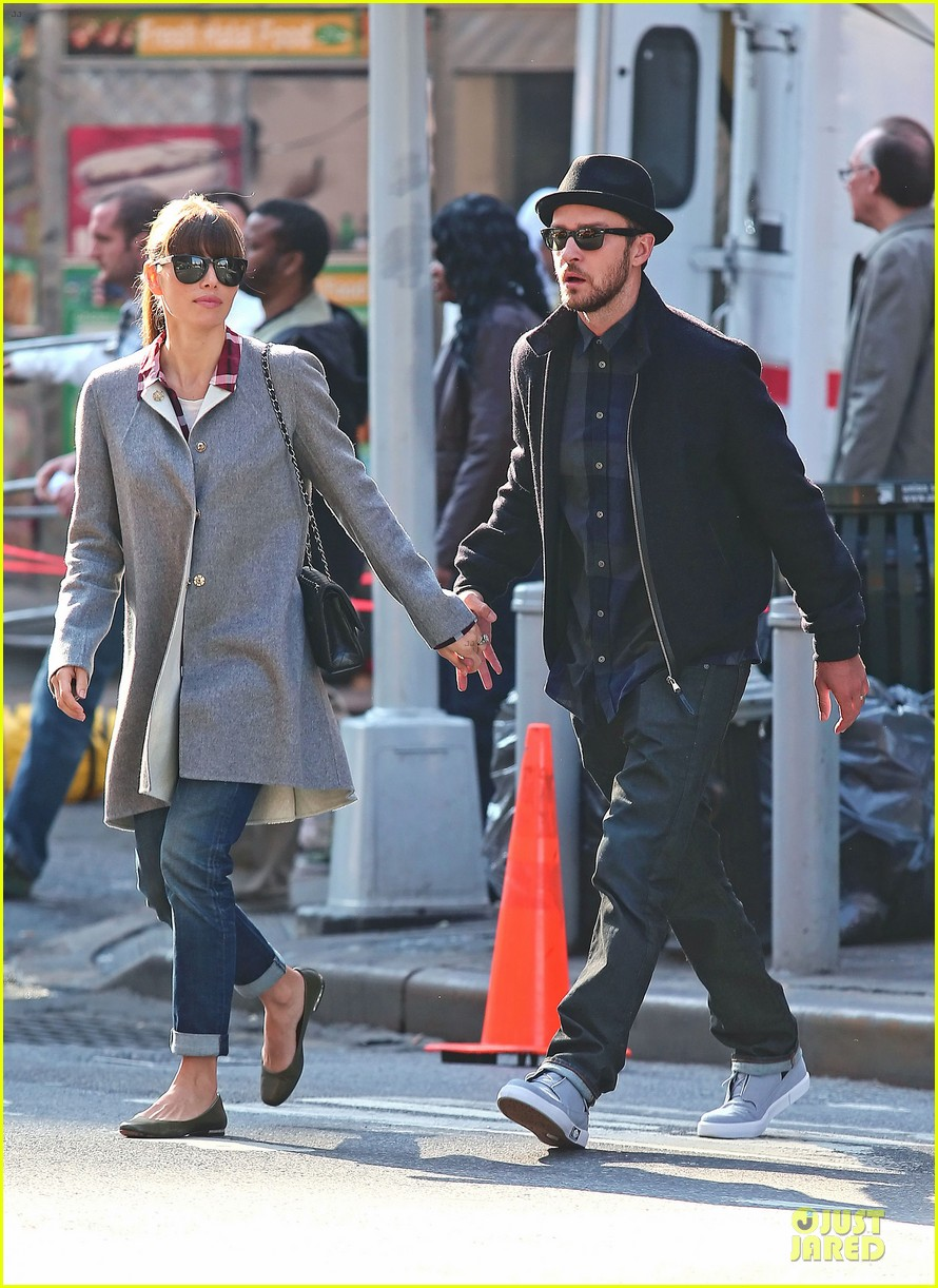 justin timberlake jessica biel newlyweds skyfall date 04