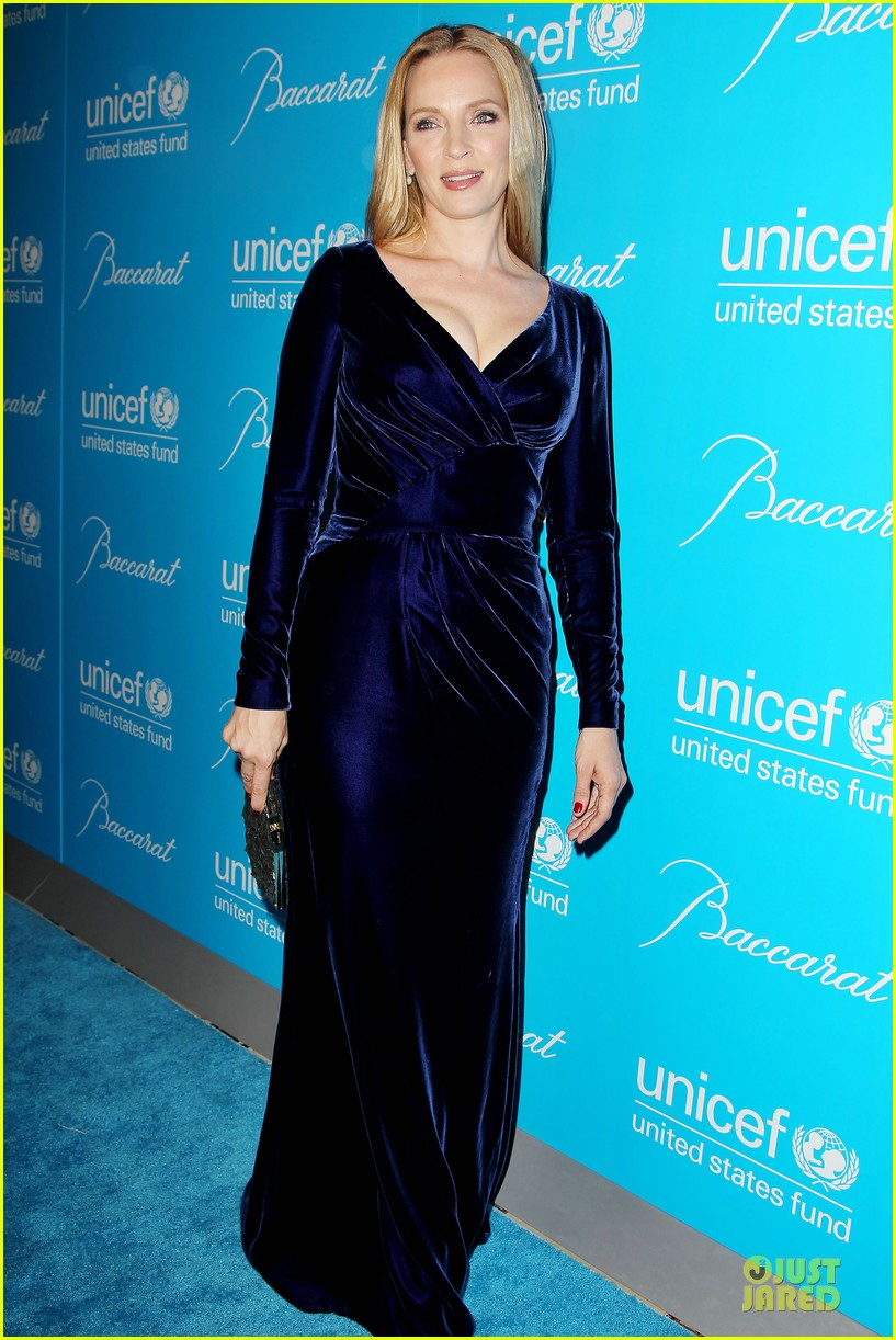 uma thurman kate mara unicef snowflake ball 08
