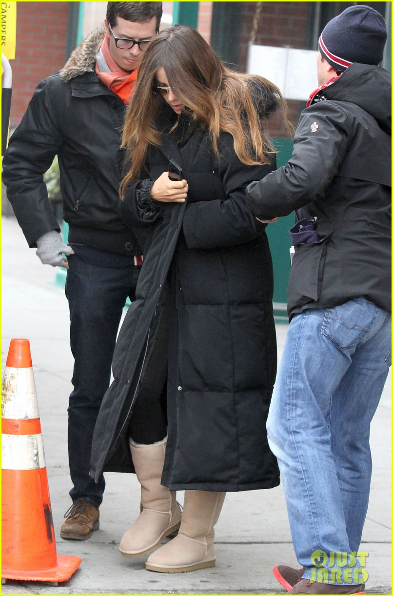 sofia vergara bundles up big apple 07