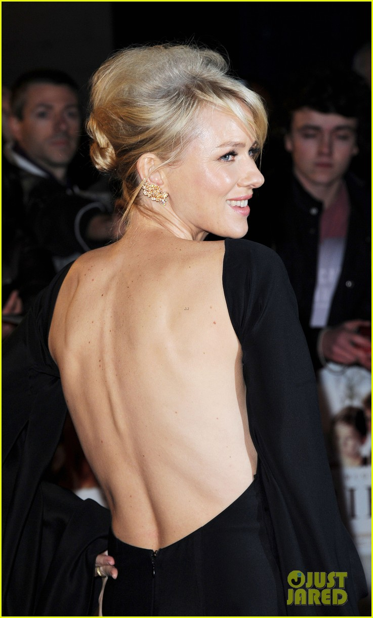 naomi watts backless dress at impossible premiere 11