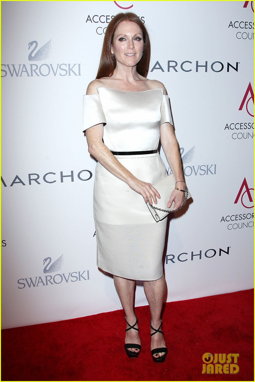 olivia wilde julianne moore ace awards new york city 26