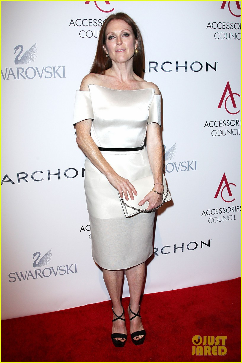 olivia wilde julianne moore ace awards new york city 30