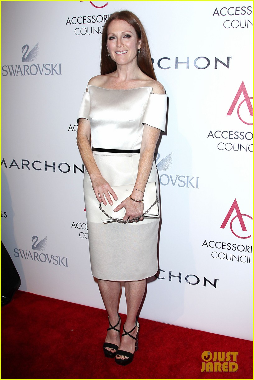olivia wilde julianne moore ace awards new york city 36