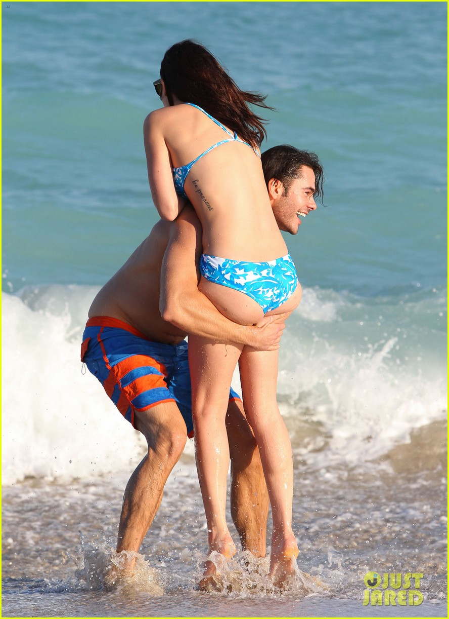 rumer willis jayson blair miami beach besos 03