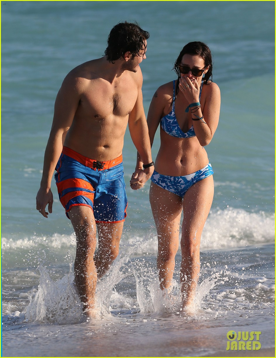rumer willis jayson blair miami beach besos 23