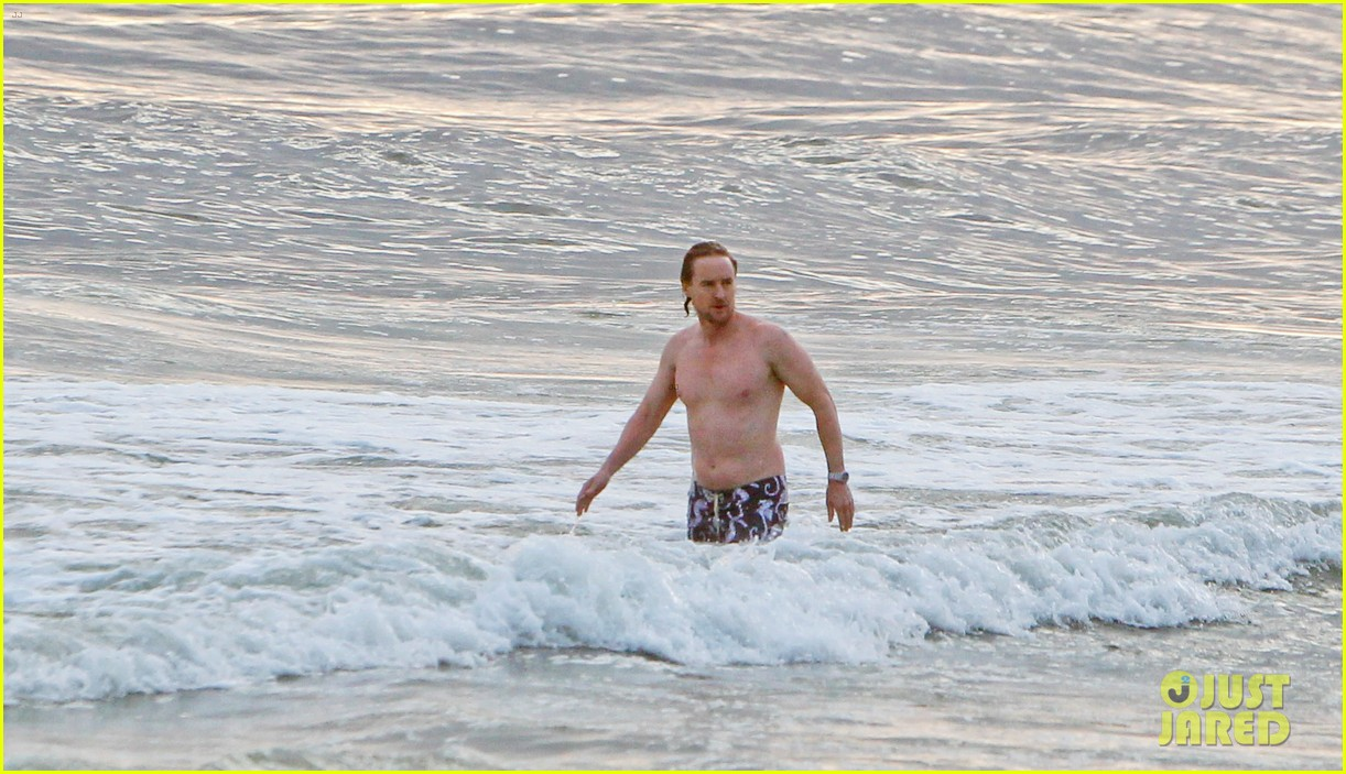 owen wilson shirtless in rio 17