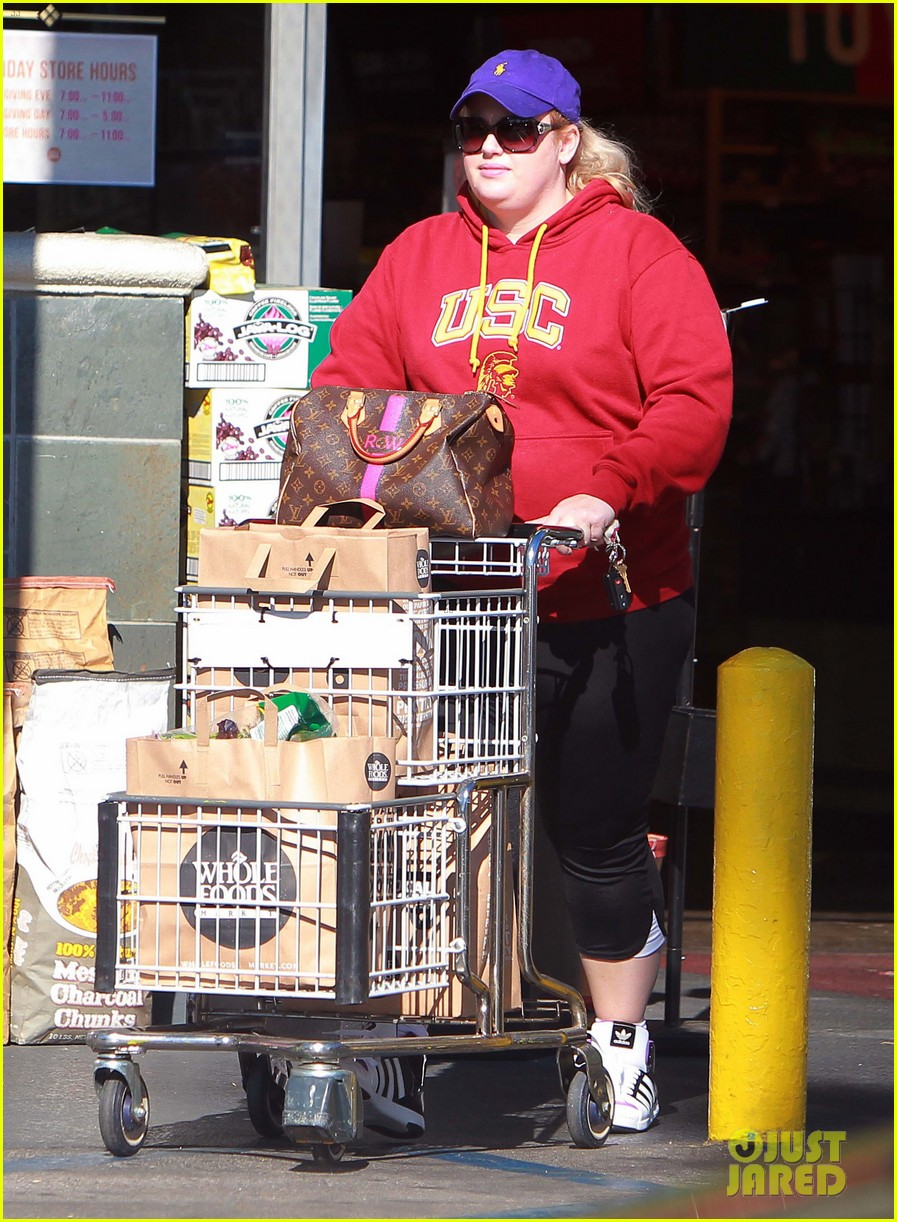 rebel wilson sunday shopaholic 08