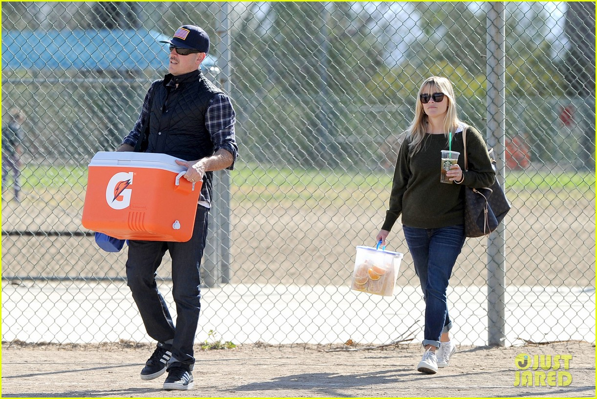 reese witherspoon ryan phillippe attend deacons soccer game 032754786