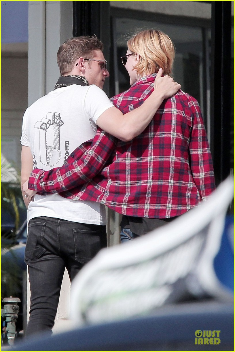 evan rachel wood jamie bell post wedding stop in santa monica 02