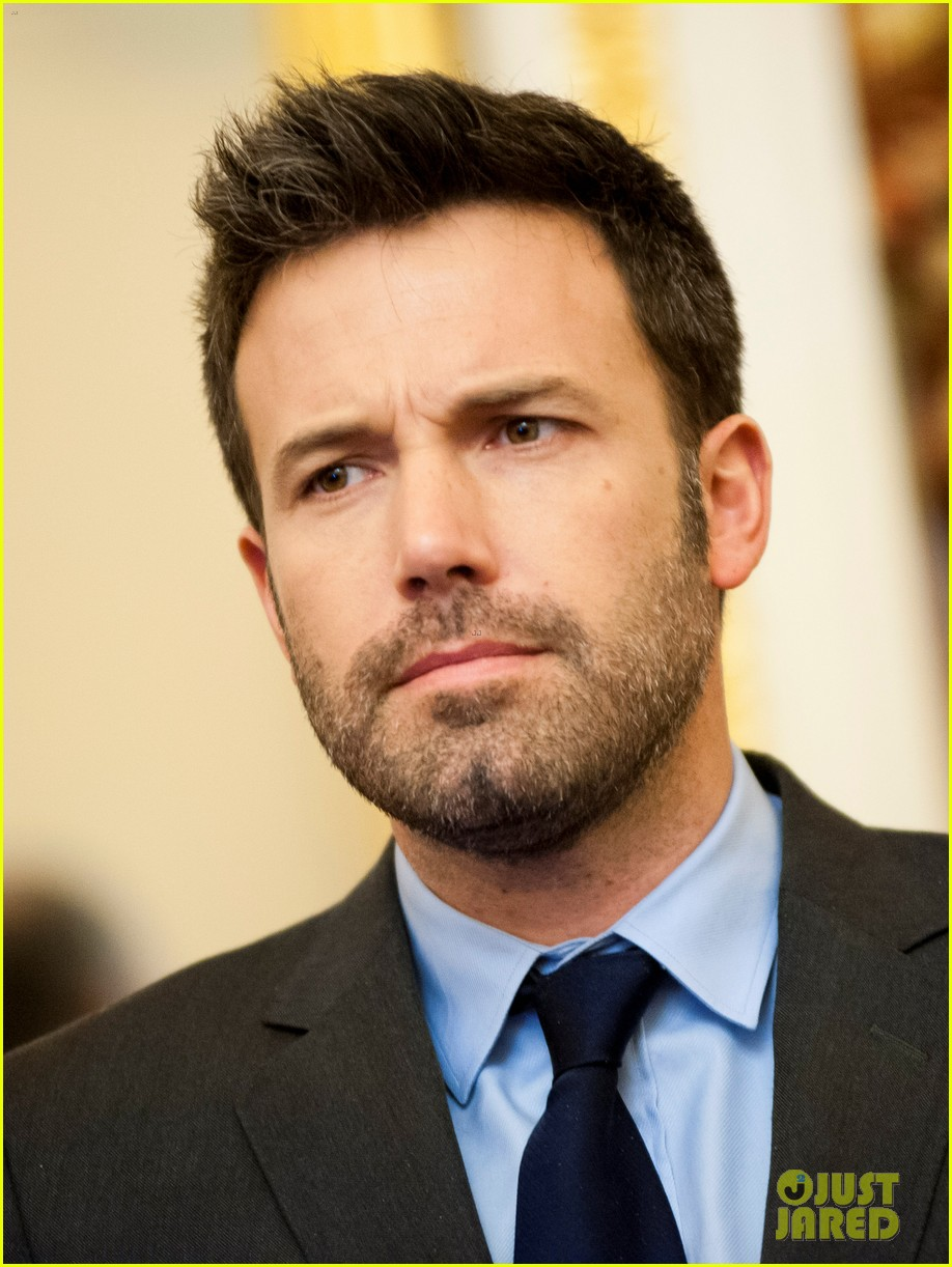 ben affleck drops out of focus with kristen stewart 222778379