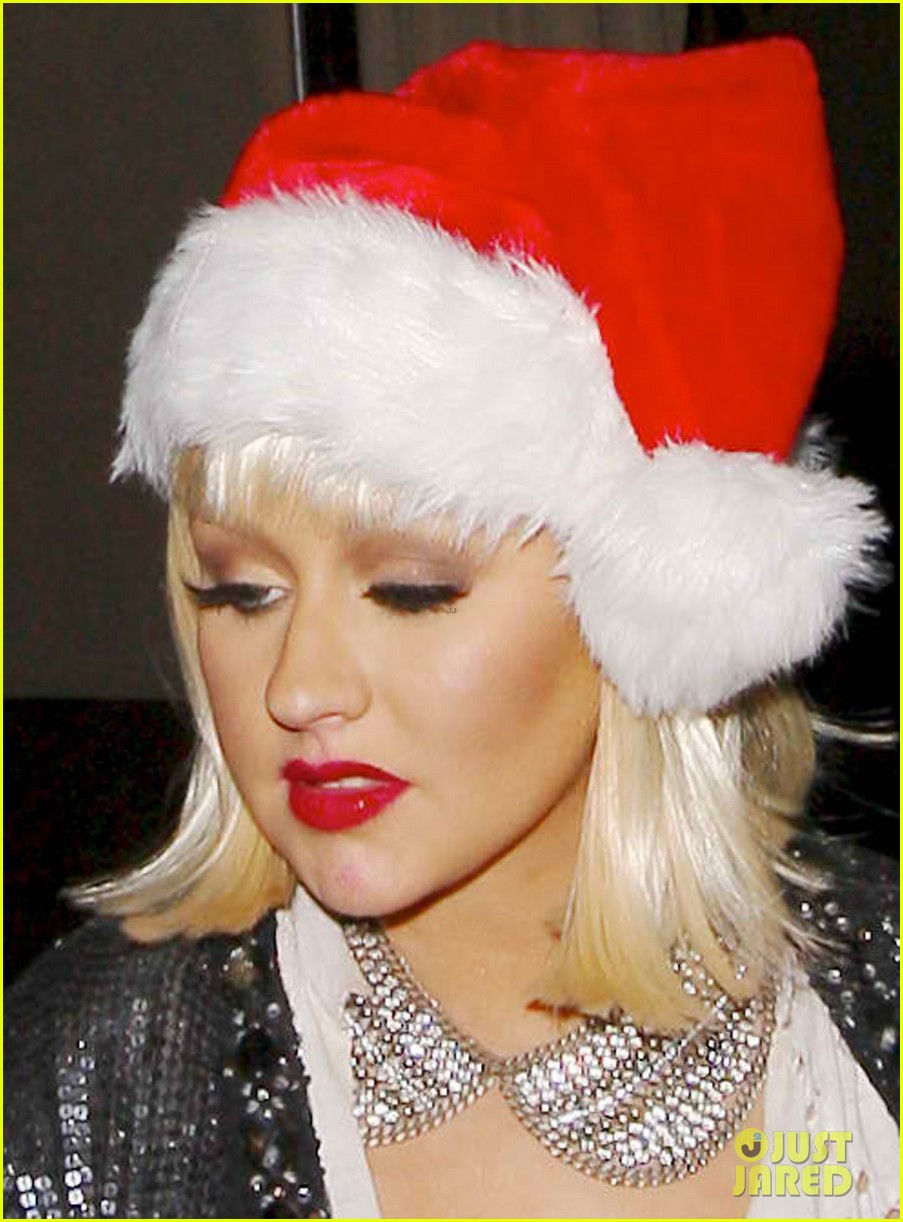 christina aguilera sexy santa at birthday party 022778512