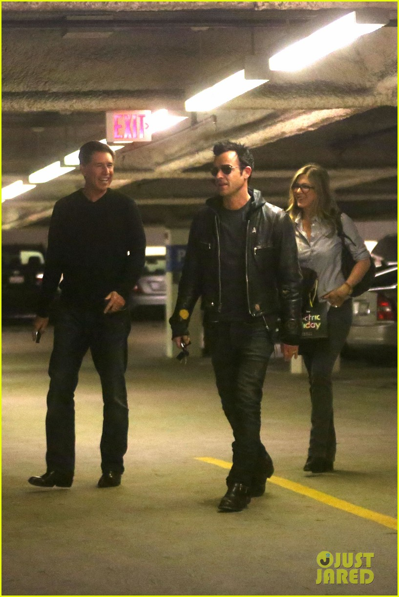 jennifer aniston justin theroux barneys new york shoppers 05