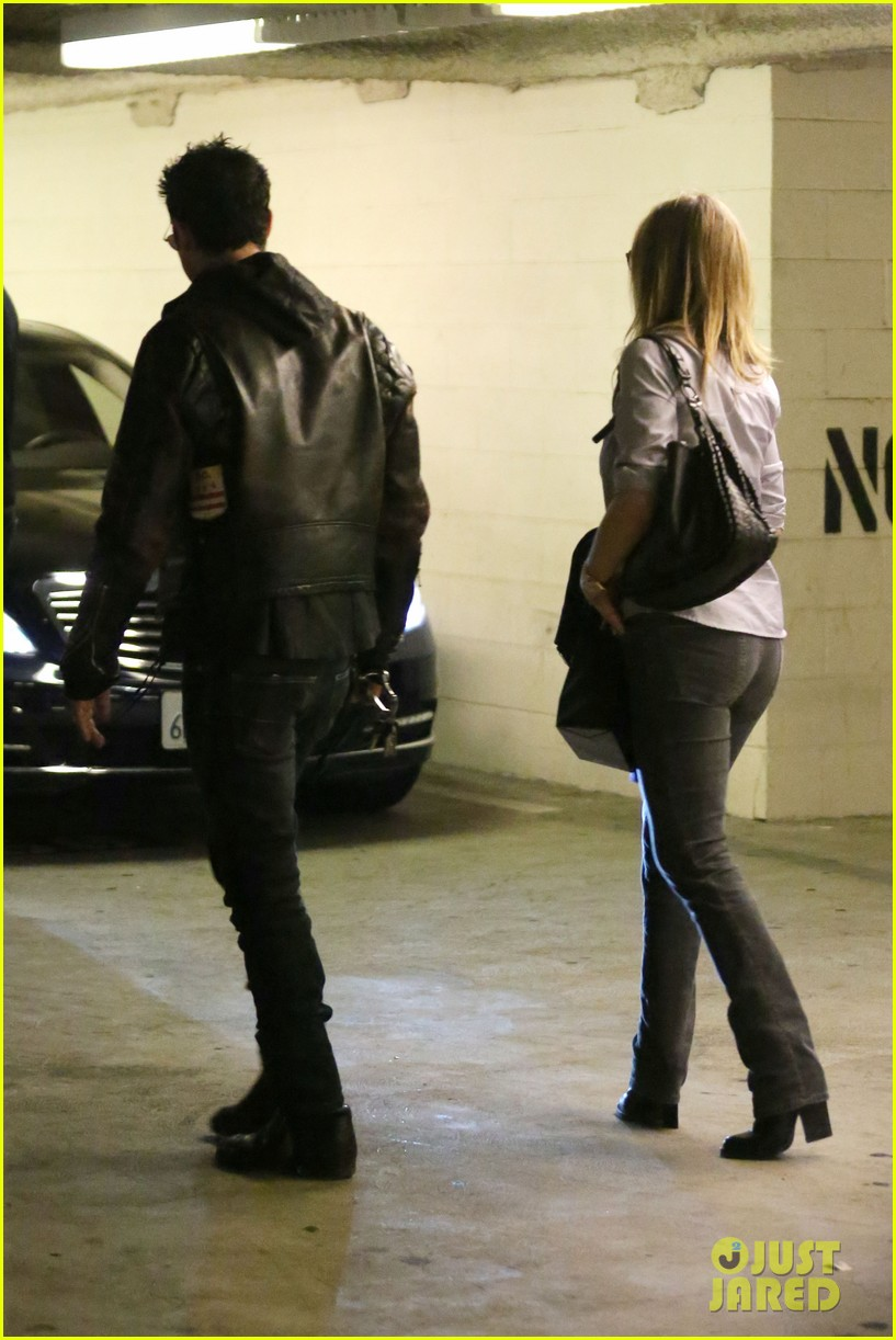 jennifer aniston justin theroux barneys new york shoppers 16