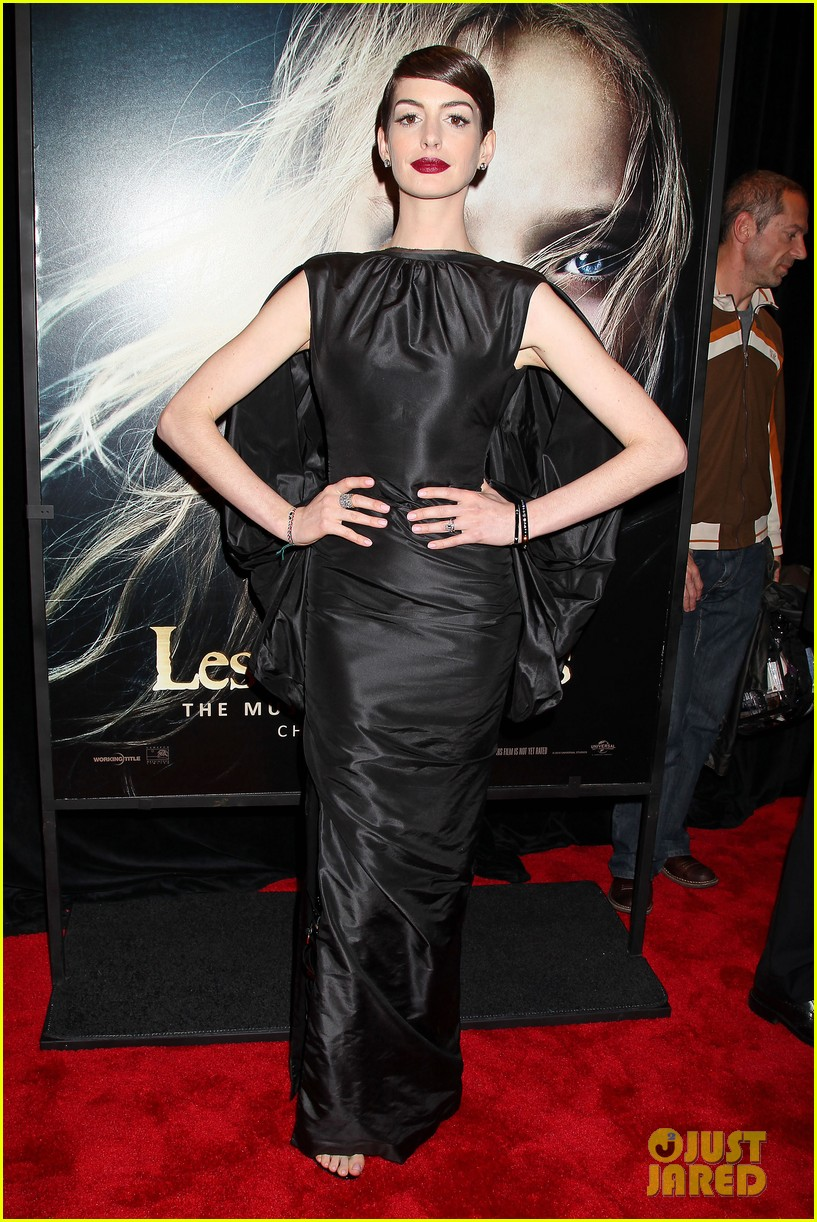anne hathaway les miserables new york premiere 142773269