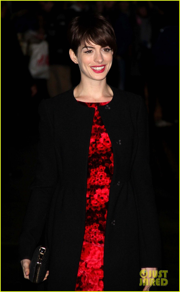 anne hathaway les miserables new york premiere 17