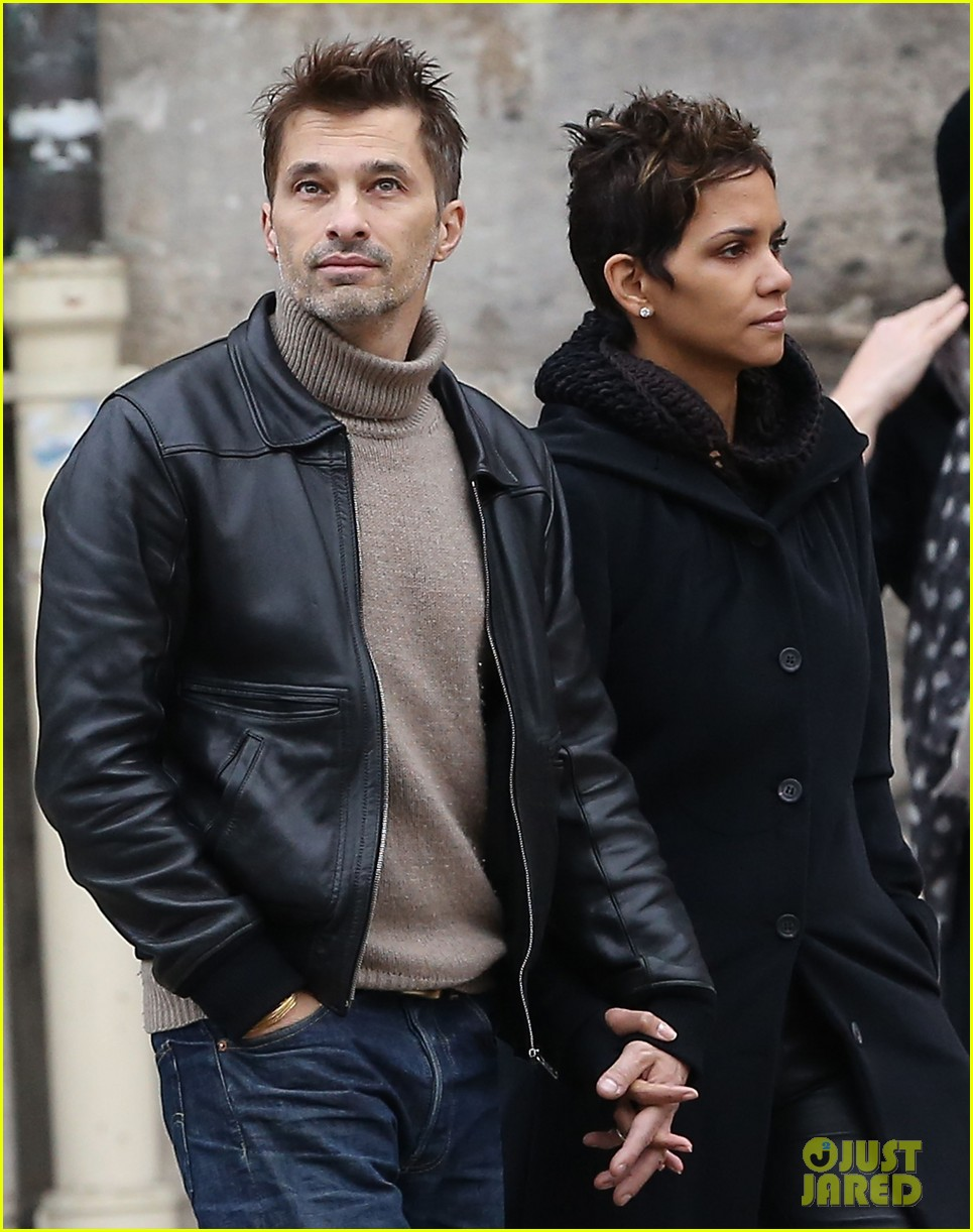 halle berry olivier martinez visit churches in paris 152780086