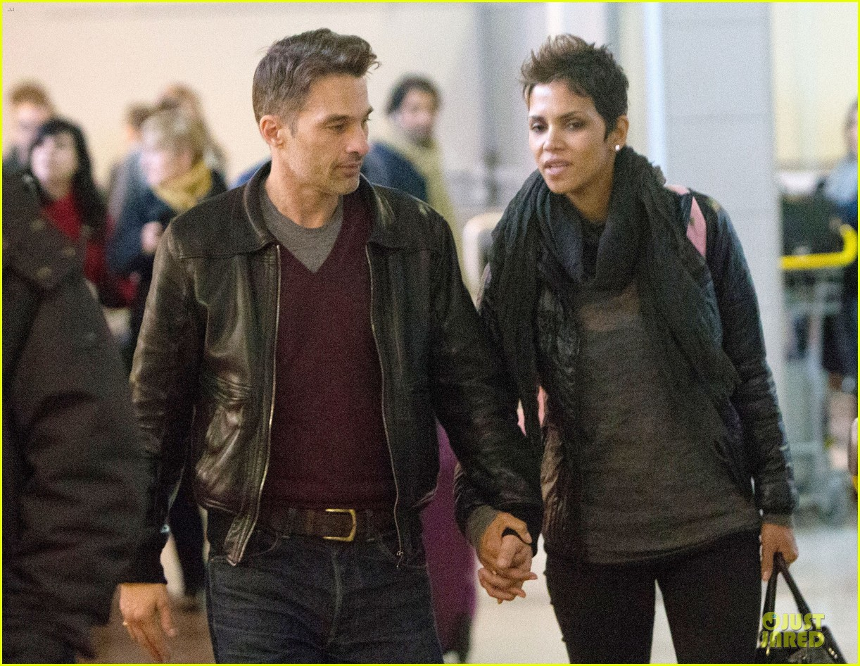 halle berry & olivier martienz paris for the holidays 09