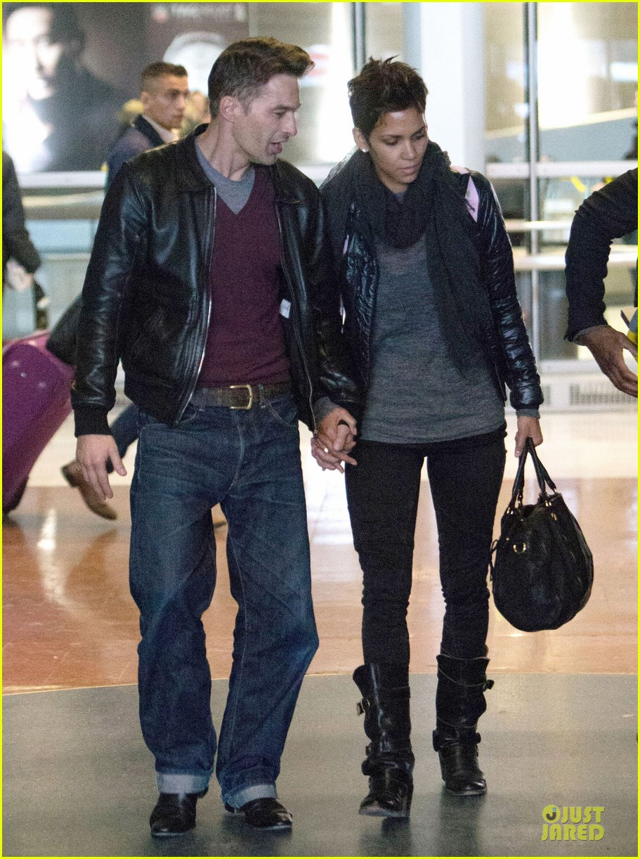 halle berry & olivier martienz paris for the holidays 10