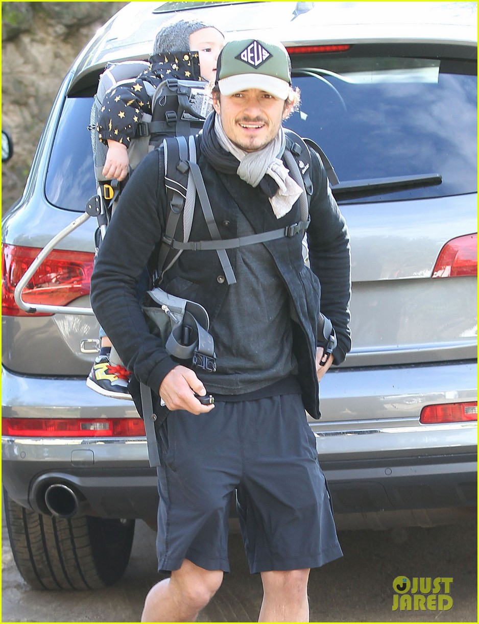 orlando bloom runyon canyon hike with flynn 222782401