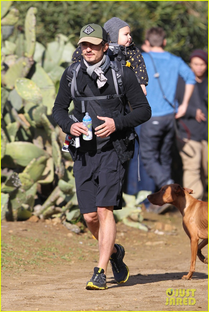 orlando bloom runyon canyon hike with flynn 302782409
