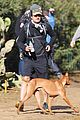 orlando bloom runyon canyon hike with flynn 06