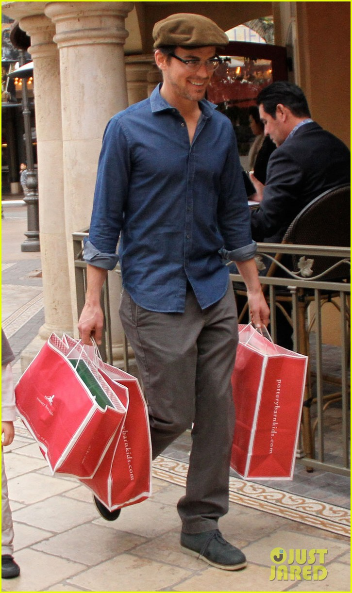 matt bomer shopping the grove 022775087