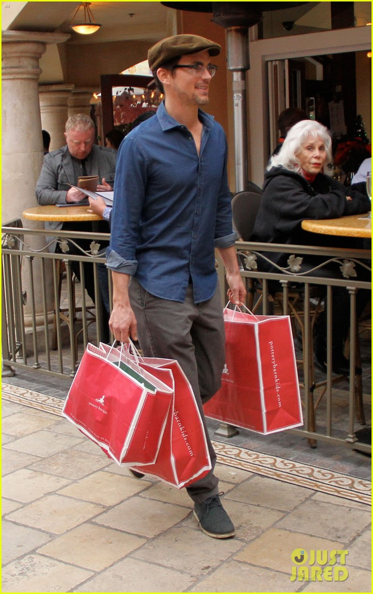 matt bomer shopping the grove 042775089