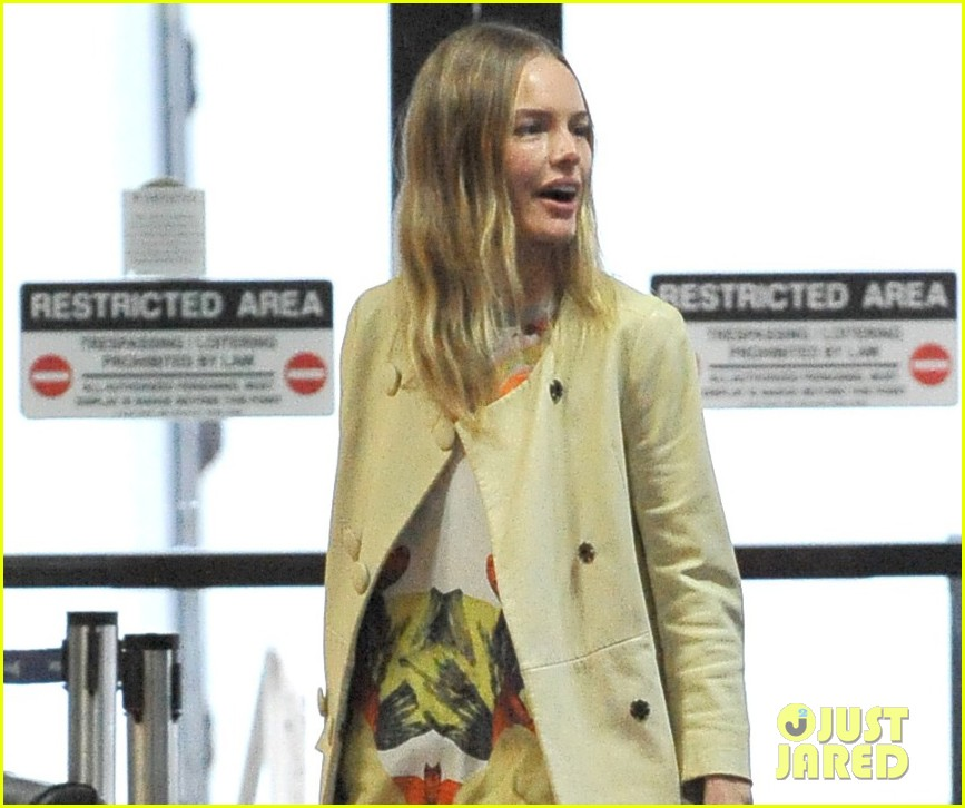 kate bosworth selects favorite topshop holiday items 03