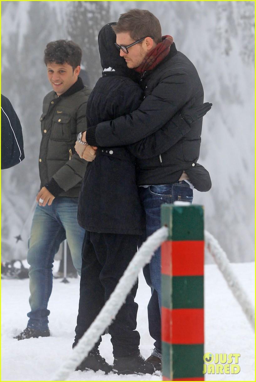 michael buble luisana lopilato snowy sweethearts 23