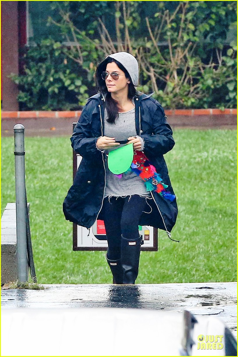 sandra bullock school drop off with rain boots 162767136