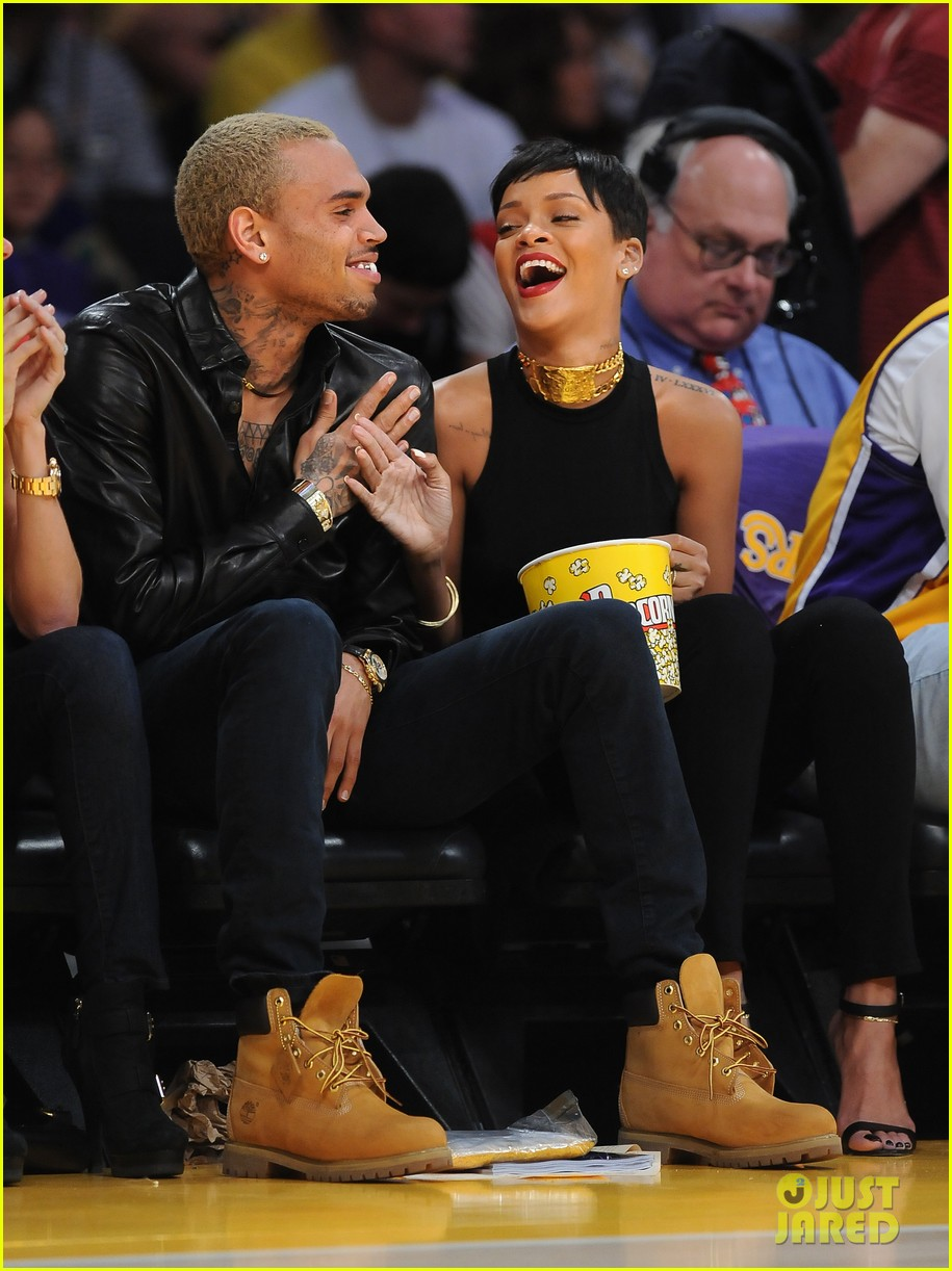 rihanna chris brown lakers christmas 092780931