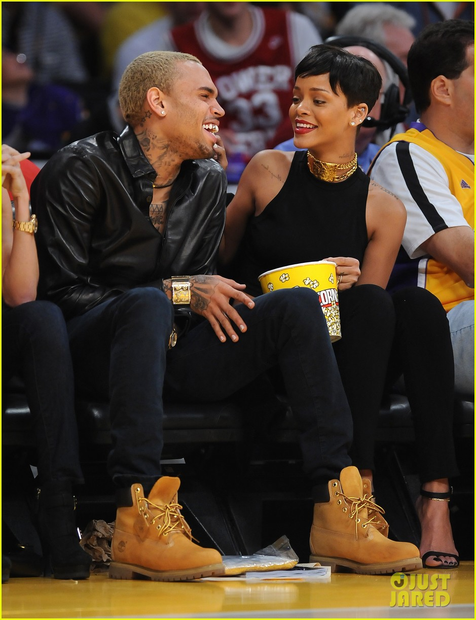rihanna chris brown lakers christmas 132780935