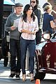 courteney cox cougar town set with josh hopkins 19