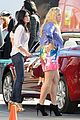 courteney cox cougar town set with josh hopkins 20