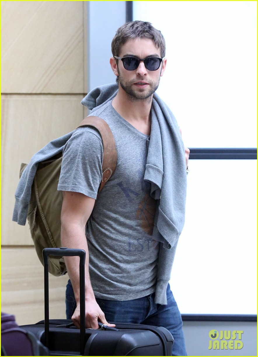 chace crawford heads to australia for new years 06