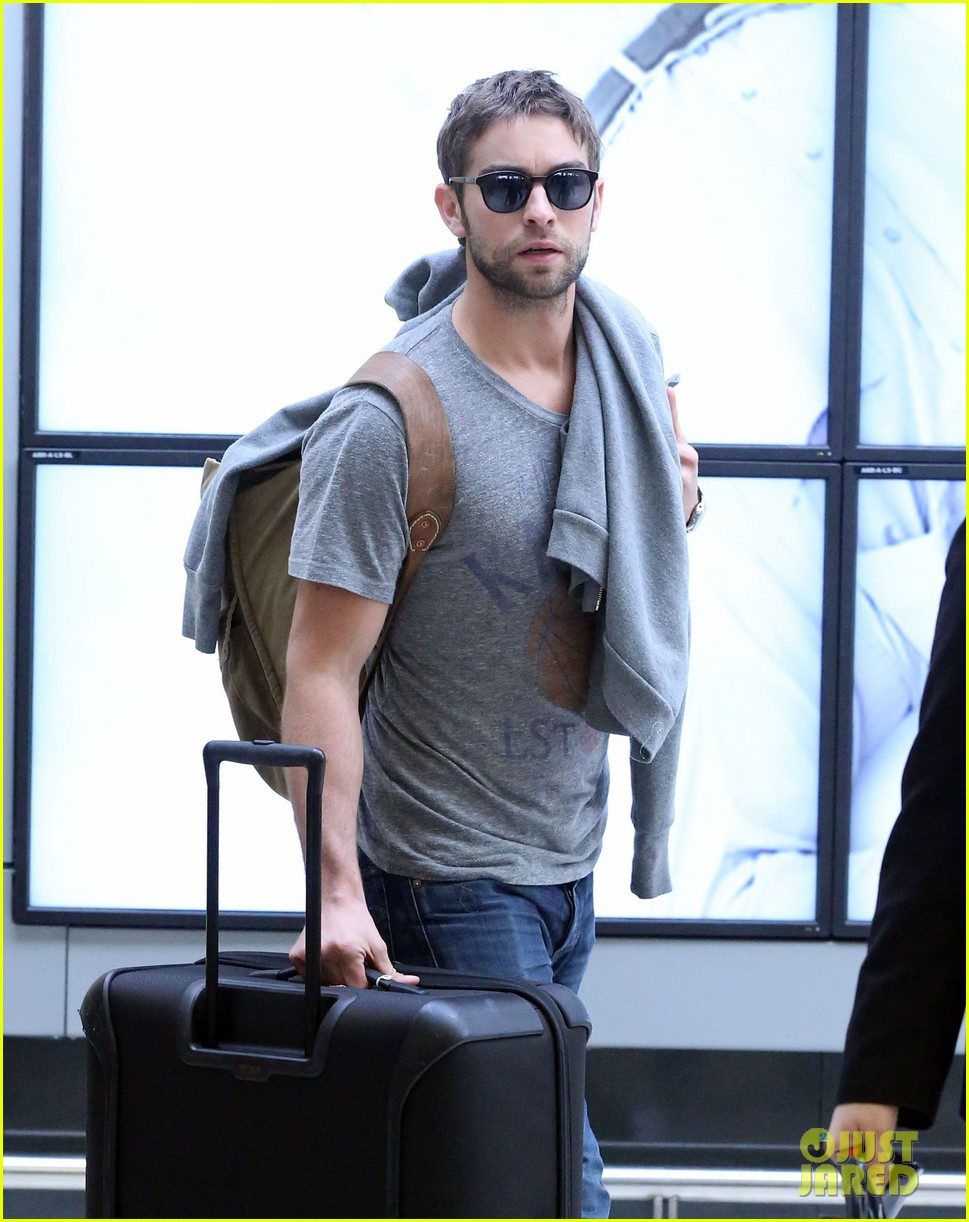 chace crawford heads to australia for new years 07