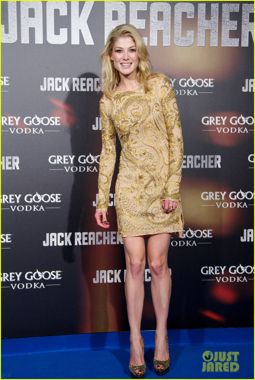 tom cruise rosamund pike jack reacher madrid premiere 05